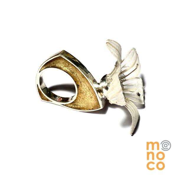 Anillo Flor Crin/Plata Resina Oro