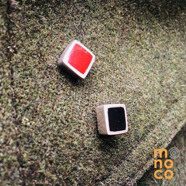 Pin Cuadrado Resina