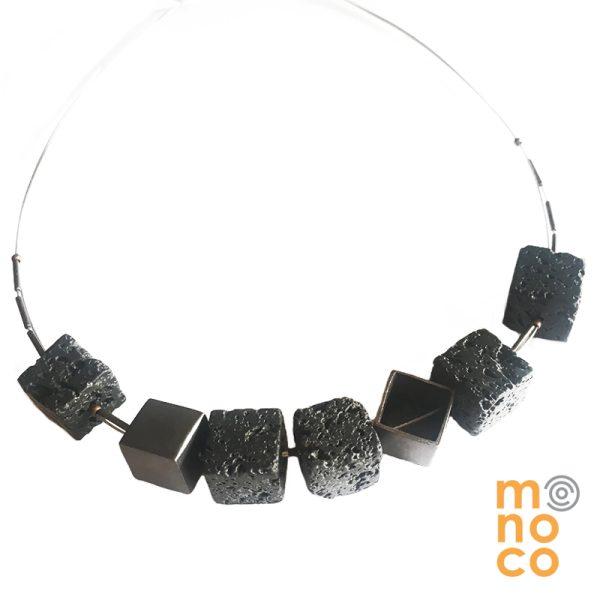 Collar Cobre Cubos Lava