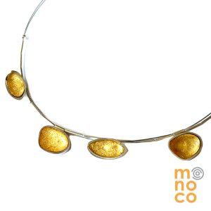 Collar Resina Irregular Con Pan De Oro